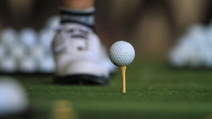 A-Small-Guide-to-Using-Golf-Tees-on-ezGuestPost